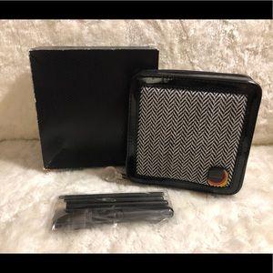 NIB MAC Herringbone Collection: 5 Basic Brush Set